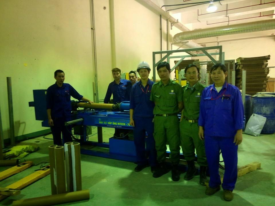 Máy ép thủy lực đóng nắp ống giấy - Hitech76
