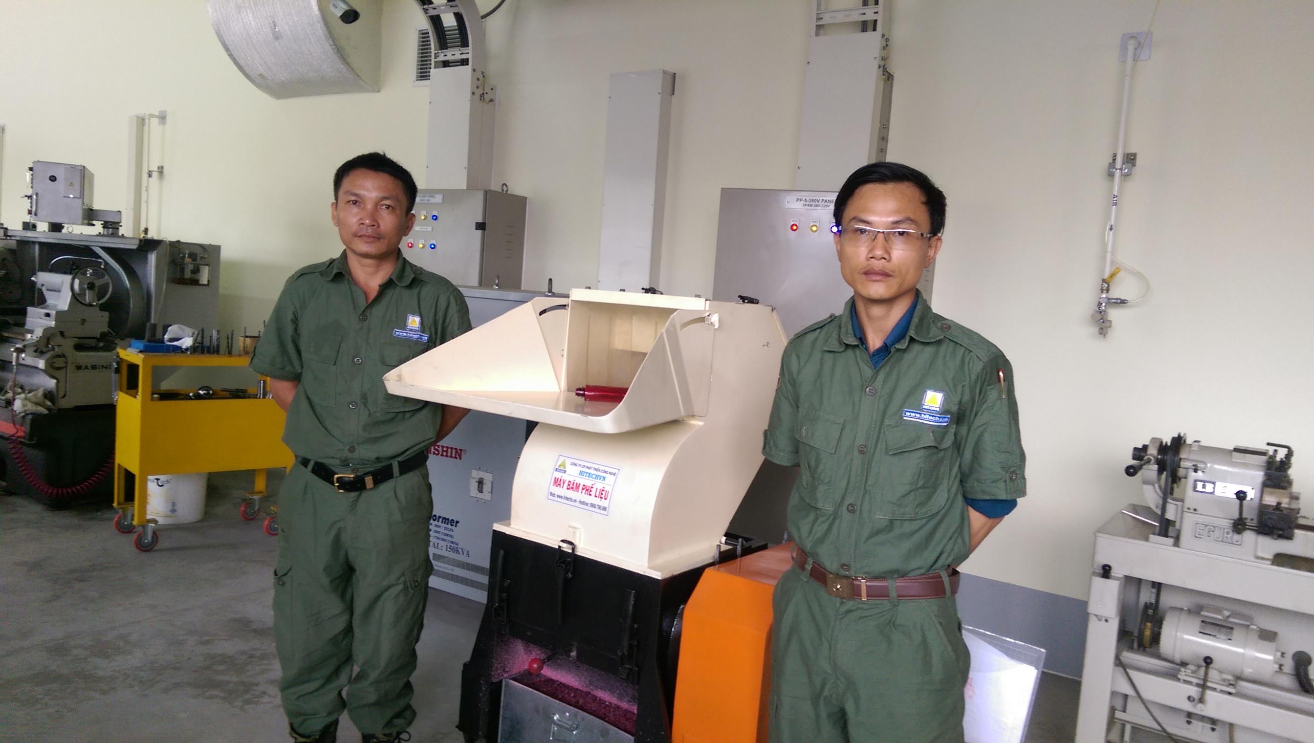 May-nghien-vo-chai-nhua-cung-Hitech-200